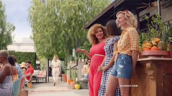 Old Navy TV Spot, 'Hot Summer Styles: Shorts, Tees and Dresses' Featuring Regina Hall - Thumbnail 7