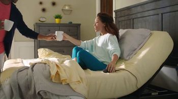 Rooms to Go TV Spot, 'Make the Switch' Featuring Jesse Palmer - Thumbnail 6