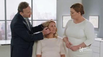 IT Cosmetics Your Skin But Better CC+ Cream TV Spot, 'Foundation' - Thumbnail 9