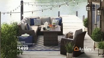 Ashley HomeStore Stars & Stripes Event TV Spot, 'Doorbusters' Song by Midnight Riot - Thumbnail 5