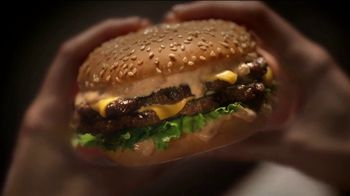 Carl's Jr. Big Carl Combo TV Spot, 'Burger Wolf' - Thumbnail 4