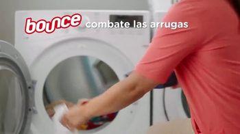 Bounce WrinkleGuard TV Spot, 'Primera mega hoja del mundo' [Spanish] - Thumbnail 3