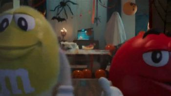 M&M's TV Spot, 'Halloween: Ghosted' - Thumbnail 2
