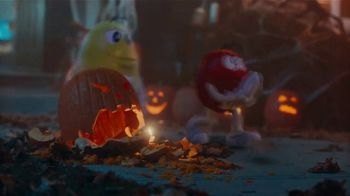M&M's TV Spot, 'Halloween: Ghosted' - Thumbnail 6