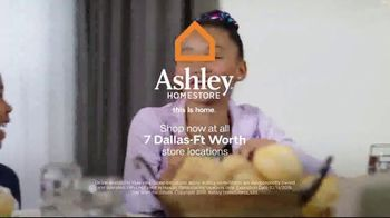 Ashley HomeStore Columbus Day Sale TV Spot, 'Queen Panel Bed and Sofa' Song by Midnight Riot - Thumbnail 9