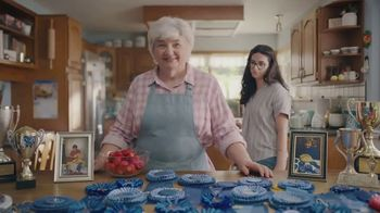 Country Crock Plant Butter TV Spot, 'Loved By Lynn, 229-Time Baking Champion'