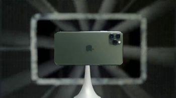 Apple iPhone 11 Pro TV Spot, 'Sistema de triple cámara' canción de Ateph Elidja [Spanish] - Thumbnail 2