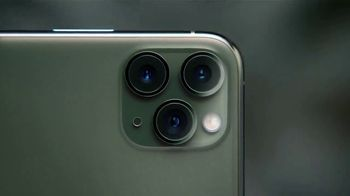 Apple iPhone 11 Pro TV Spot, 'Sistema de triple cámara' canción de Ateph Elidja [Spanish] - Thumbnail 4