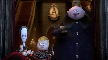 Hershey's TV Spot, 'The Addams Family: Trick-Or-Treat' - Thumbnail 6