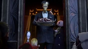Hershey's TV Spot, 'The Addams Family: Trick-Or-Treat'