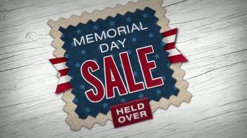 La-Z-Boy Memorial Day Sale TV Spot, 'Held Over: Save 40 Percent' - Thumbnail 5