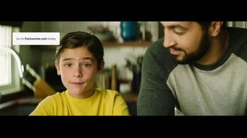 Fracture TV Spot, 'What Mom Wants' - Thumbnail 6