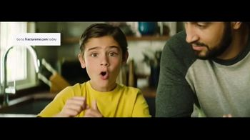 Fracture TV Spot, 'What Mom Wants' - Thumbnail 7