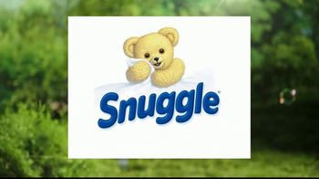Snuggle Scent Shakes TV Spot, 'Hallmark Channel: Love and Care' - Thumbnail 9