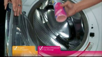 Snuggle Scent Shakes TV Spot, 'Hallmark Channel: Love and Care' - Thumbnail 5