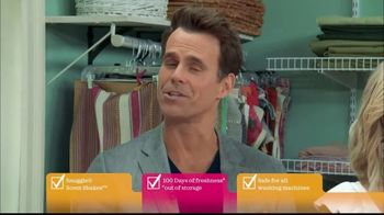 Snuggle Scent Shakes TV Spot, 'Hallmark Channel: Love and Care' - Thumbnail 7