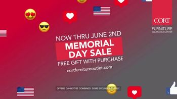 CORT Furniture Outlet Memorial Day Sale TV Spot, 'Just As Stylish' - Thumbnail 7