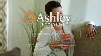 Ashley HomeStore Memorial Day Sale TV Spot, 'Final Days: Plush Sofa' Song by Midnight Riot - Thumbnail 8