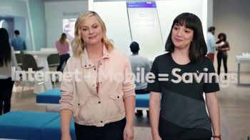XFINITY Mobile TV Spot, 'A Little Bird Told Me: Save on Your Wireless Bill' Featuring Amy Poehler - Thumbnail 4