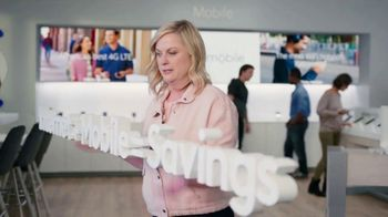 XFINITY Mobile TV Spot, 'A Little Bird Told Me: Save on Your Wireless Bill' Featuring Amy Poehler - Thumbnail 6