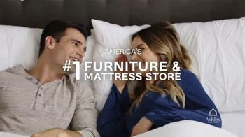 Ashley HomeStore Memorial Day Mattress Sale TV Spot, 'Final Days: Save up to $700' Song by Midnight Riot - Thumbnail 8