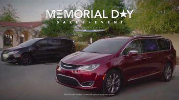 Chrysler Memorial Day Sales Event TV Spot, 'Hurry' [T2] - Thumbnail 2