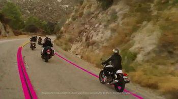T-Mobile TV Spot, 'Señal' canción de Aerosmith [Spanish] - Thumbnail 4