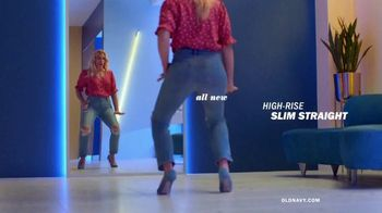 Old Navy High-Rise Slim Straight Jeans TV Spot, 'Reunion: 30 or 40 Percent' Featuring Busy Philipps - Thumbnail 3