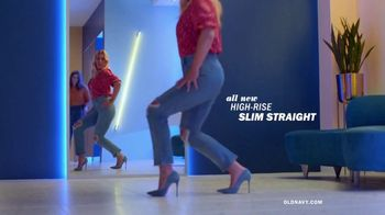 Old Navy High-Rise Slim Straight Jeans TV Spot, 'Reunion: 30 or 40%' Featuring Busy Philipps - Thumbnail 5