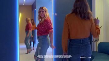 Old Navy High-Rise Slim Straight Jeans TV Spot, 'Reunion: 30 or 40 Percent' Featuring Busy Philipps - Thumbnail 8