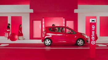 Target Drive Up TV Spot, 'Más afuera' canción de Carlos Vives [Spanish] - Thumbnail 5