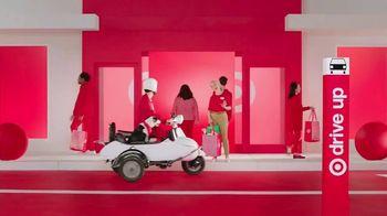 Target Drive Up TV Spot, 'Más afuera' canción de Carlos Vives [Spanish] - Thumbnail 6