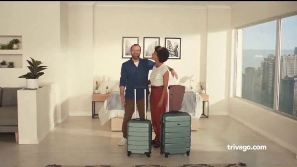 trivago TV Commercial, 'Standard Room'