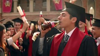 Coca-Cola TV Spot, \'Fuertes\' [Spanish]