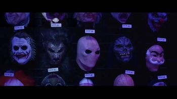Party City TV Spot, 'Halloween: Party Cups, Costumes and Fog Machines' Song by Wilson Pickett - Thumbnail 5