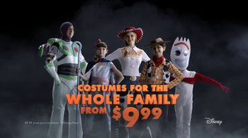 Party City TV Spot, 'Halloween: Party Cups, Costumes and Fog Machines' Song by Wilson Pickett - Thumbnail 8