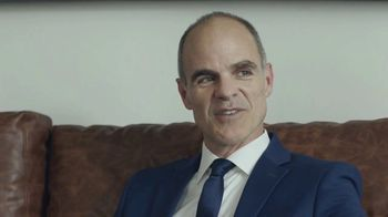 Supercuts TV Spot, 'Shave It Off' Featuring Michael Kelly - Thumbnail 7