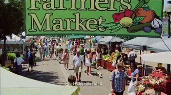 VitaFusion Organic Gummy Vitamins TV Spot, 'Ion: Farmer's Market' Featuring Lauren O'Quinn - Thumbnail 4