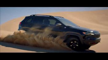 Jeep Fourth of July Sales Event TV Spot, 'It's a Trail' Song by Dermot Kennedy [T2] - Thumbnail 7