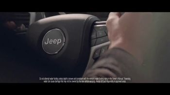 Jeep Fourth of July Sales Event TV Spot, 'Same Time' Song by This Will Destroy You [T1] - Thumbnail 8