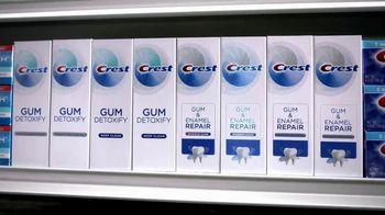 Crest Gum Detoxify TV Spot, 'Below the Gumline' - Thumbnail 9