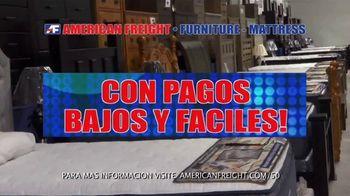 American Freight Ahorros de Colchones Al Rojo Vivo TV Spot, 'Pagos bajos' [Spanish]