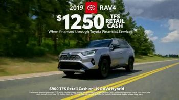 Toyota Great American 4th of July Event TV Spot, 'Celebrate the Savings: RAV4' [T2] - Thumbnail 4