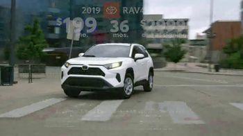 Toyota Great American 4th of July Event TV Spot, 'Celebrate the Savings: RAV4' [T2] - Thumbnail 5