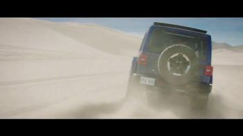 Jeep Fourth of July Sales Event TV Spot, 'Bloodline' Song by Dermot Kennedy [T1] - Thumbnail 4
