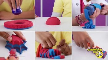 Kinetic Sand Sandisfying Set TV Spot, 'Comes With Ten Tools' - Thumbnail 7