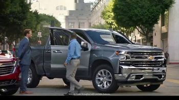 Chevrolet TV Spot, 'Can't Stop Staring' [T2] - Thumbnail 3