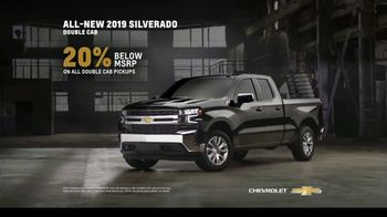 Chevrolet TV Spot, 'Can't Stop Staring' [T2] - Thumbnail 7