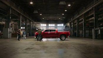 Chevrolet Silverado TV Spot, 'Full of Surprises' [T1] - Thumbnail 3