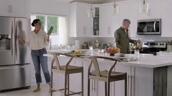 Lowe's July 4th Savings TV Spot, 'Happy Hunting: Whirlpool Refrigerator' - Thumbnail 7